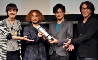 ユニークな家電を生み出すCerevoの岩佐代表取締役(右から2人目)