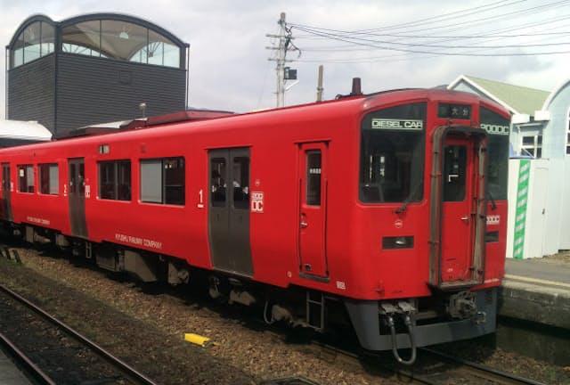 JR九州の普通列車(写真、苅谷直政)