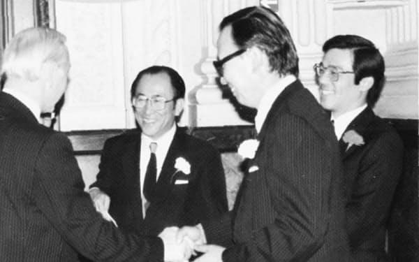 英バーミンガム駐在事務所開設披露パーティーで(左から2人目が筆者)