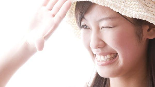 「肌の老化」8割は太陽光が原因 日焼け止め習慣を