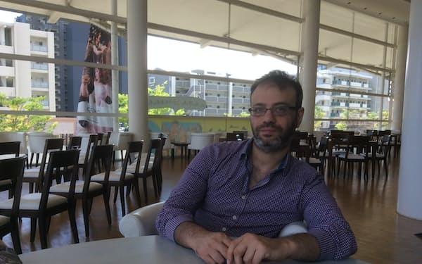「ダマスカス」の演出家、オマル・アブーサアダ氏は今もシリアにとどまる