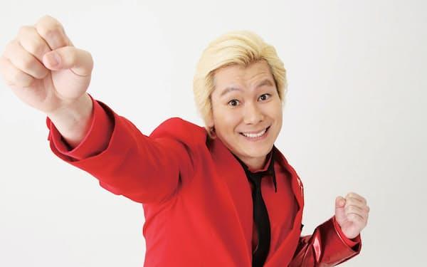 1984年7月4日生まれ、埼玉県出身。ピン芸人を経て、12年にメイプル超合金を結成。レギュラーは『絶対!カズレーザー』(テレビ朝日)、『沸騰ワード10』(日本テレビ系)、『良かれと思って!』(フジテレビ系)など(写真:中村嘉昭)