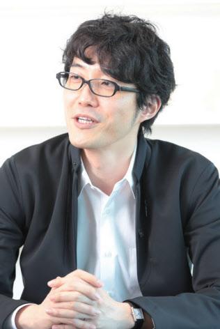 1977年カナダ生まれ。早稲田大学理工学部建築学科首席卒業、同大学院修了後、デザインオフィスnendoを設立。東京とミラノを拠点として、建築・インテリア・プロダクト・グラフィックと多岐にわたってデザインを手がける。2006年に「ニューズウイーク」の「世界が尊敬する日本人100人に選ばれる。2012年に世界最年少でデザイン界最高の栄誉と言われるEDIDAデザイナー・オブ・ザ・イヤーを受賞。『400のプロジェクトを同時に進める 佐藤オオキのスピード仕事術』(幻冬舎)など著書多数。(写真:鈴木愛子)