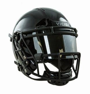 VICISが2017年に発売した、アメフト用ヘルメット「ZERO1」。軟らかい素材でできたアウターと、自在に伸縮する中間レイヤーなどの新しい構造を持つ。同社は、従来のヘルメットより安全性が高いと主張する(写真:VICIS)