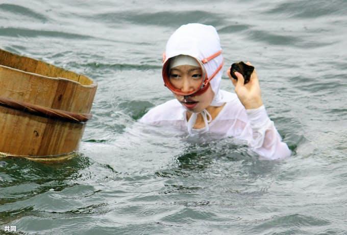 10代の新人海女がデビュー 三重・鳥羽 「伝統漁法、伝えたい」: 日本 ...