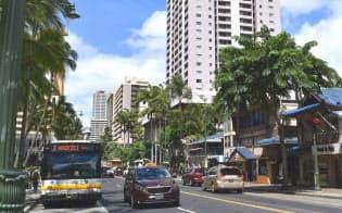 新しいショップやレストランが増えて話題のクヒオ通り。リニューアルした魅力的なホテルはこの通り沿いにも