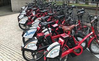 時間や場所によって自転車シェアのポートが混雑することもある(東京・大手町)