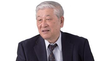 経済学者。早稲田大学ビジネス・ファイナンス研究センター顧問。一橋大学名誉教授。「『超』整理手帳」考案者。1940年生まれ。63年に東京大学工学部を卒業し64年に大蔵省(当時)入省。東京大学教授、米スタンフォード大学客員教授などを経て現職(写真:稲垣純也)
