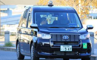 日本交通のタクシー、車両は2017年10月に導入したトヨタ自動車「JPN TAXI」