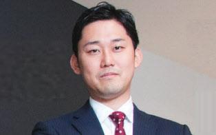 アクセンチュア 戦略コンサルティング本部 マネジャー 込山努さん。外資系メーカー勤務を経て、第2新卒でアクセンチュアに入社し、戦略系コンサルタントに。29歳だった2015年12月から現職 (写真:菊池くらげ)