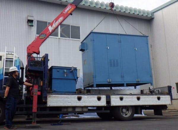 MBO促進酸化処理装置は、クレーン付きトラックで簡単に持ち運べるサイズ(写真:NIPPO)