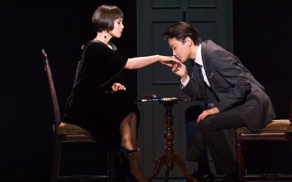『黒蜥蜴』は2月5日まで大阪・梅田芸術劇場メインホールで上演中