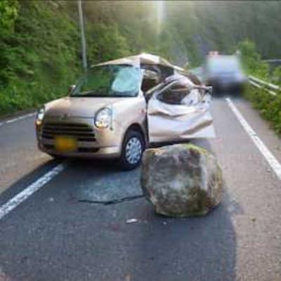 沿道からの落石で死傷事故も発生している(写真:国土交通省)
