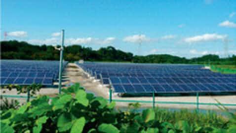 入札低調で太陽光普及に黄信号、系統接続問題が主因