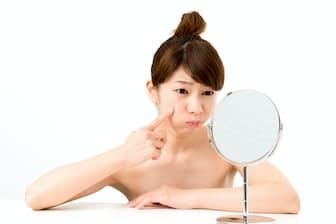 一人で悩まず、皮膚科医の診断を受けよう。写真はイメージ=PIXTA