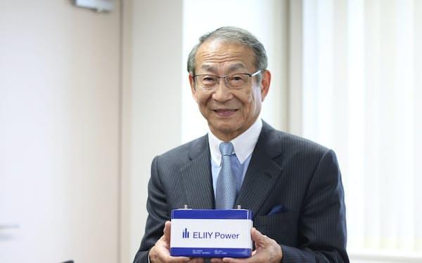 吉田博一社長は元住友銀行(現三井住友銀行)の副頭取まで務めた後、電池メーカーを興した。