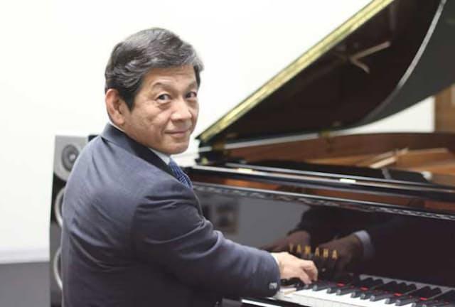 ピアノやギターを弾きこなすヤマハの中田卓也社長