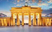 教会を巡る皇帝と法王の叙任権闘争が19世紀末によみがえった(ベルリンのブランデンブルク門)