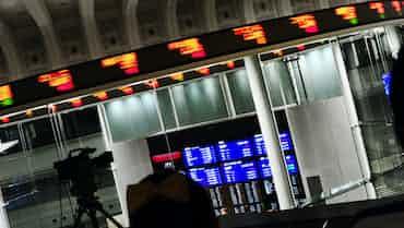 東証大引け 続落、円高進行を嫌気