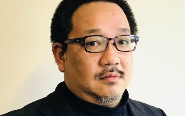 1971年生まれ。京大卒。公認会計士。2002年にIPO支援コンサルタントとして独立。07年から上場企業の経営者を務め、11年からシンガポールでも活動。13年にIPOビジネス再開。現在、上場企業4社の社外役員も務める。