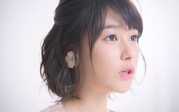 CM、ドラマ、映画と活躍の場を広げる桜井さんが持ってきたのは世界に1つだけというスマホカバーだった