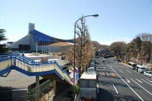 国立代々木競技場の第一体育館(北面)。JR原宿駅側から撮影した (写真:日経アーキテクチュア)