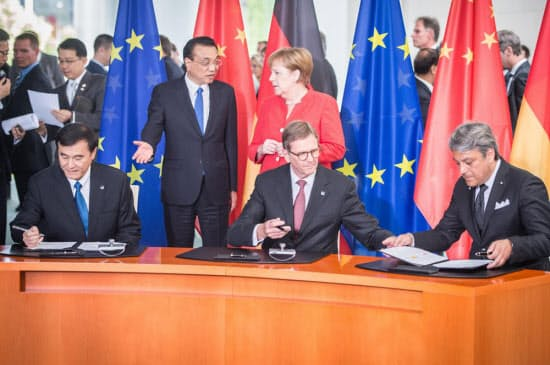 覚書の調印式にはドイツと中国の政府首脳も列席した(写真はフォルクスワーゲン)