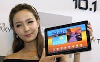 サムスン電子の「ギャラクシータブ10.1」。米国に続き、韓国でも快調な販売が続いている(7月20日、ソウル市内)