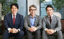 金子武史CEO(左)と長島聡社長(中)、田口紀成CTO