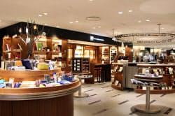 10月、伊東屋とユナイテッドアローズが共同で「阪急メンズトーキョー」に初出店した「イトーヤ ウィズ ユナイテッドアローズ」