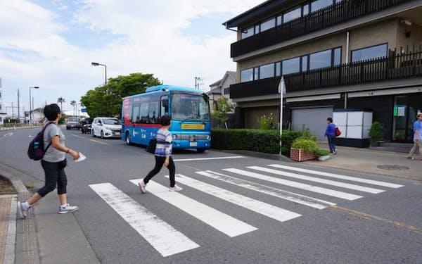 小田急などが行った自動運転バスの実証実験の模様