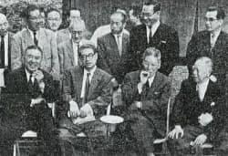 池田政権の最高首脳・左から河野建設相、前尾幹事長、池田首相、大野副総裁