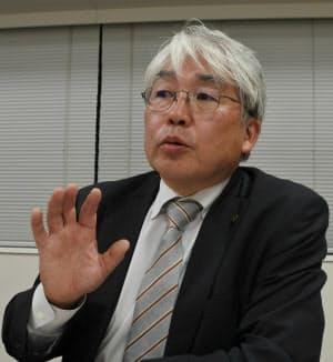 インタビューに答える東京都医師会の猪口正孝・副会長