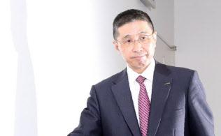 記者会見に臨む日産自動車の西川広人社長(19日午後、横浜市西区)