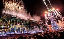 この冬でグランド・フィナーレを迎える、世界最高峰のクリスマス・ショー「天使のくれた奇跡III」(ユー・エス・ジェイ提供)