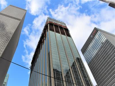 NYレトロ超高層、建て替えより改修が有利な理由
