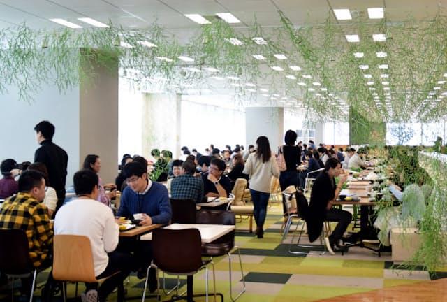 毎日平均3000食以上を提供するヤフーの社員食堂「BASE11」