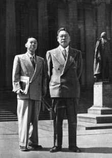 宮沢(左)は長い間、池田勇人の片腕だった(1961年の池田首相訪米時)=毎日新聞社提供