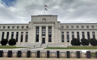 FRBの金融引き締め路線に対する拒否反応やトランプ政権の混乱への警戒感が主題になってきた構図がみえる