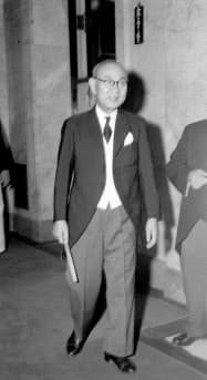 苫米地義三は全権団の一員となることが事実上決まった(1951年8月、国会で)=毎日新聞社提供