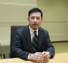 京都大学学術情報メディアセンター情報教育システム研究分野の上田浩准教授。専門は複雑系数理モデルの研究