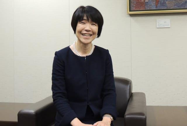 大塚製薬の西山和枝さんは女性の健康推進プロジェクトでリーダーを務めている