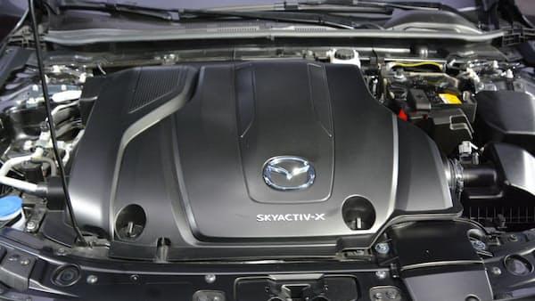 新型マツダ3に新世代エンジン、低燃費でスポーティー