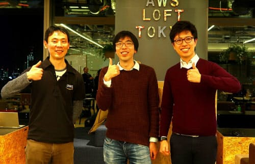 囲碁棋士の大橋拓文氏(中央)と、Ponanza開発者の山本一成氏(右)