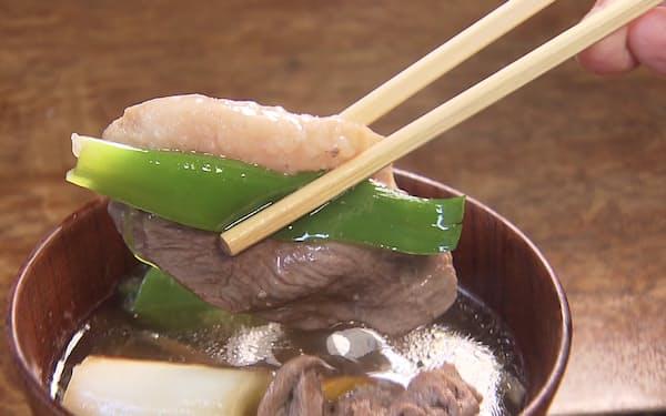 鴨鍋(おばんざい4~5品)。鴨鍋コースは4950円(税別)