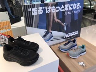 スポーツ店でも通勤用に厚底シューズが売れている(東京都渋谷区のスーパースポーツゼビオ)