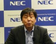 写真1 NECの西大和男パーソナルソリューション事業本部長