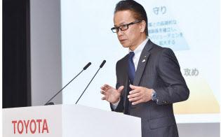 コネクテッド戦略の現状を説明する友山茂樹トヨタ副社長(19年2月)