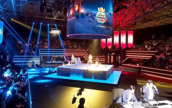 フィンランドのゲームメーカーSupercellの戦略ゲーム『クラッシュ・ロワイヤル』を使った「クラロワリーグ 世界一決定戦」が幕張メッセで開催され、観戦チケットは即日完売となる人気ぶりだった