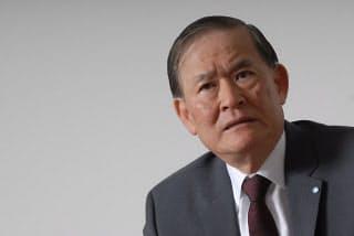 ホンダでエアバッグを開発した小林三郎氏(現在は中央大学 大学院 戦略経営研究科 客員教授、元・ホンダ 経営企画部長)。 (写真:栗原克己)